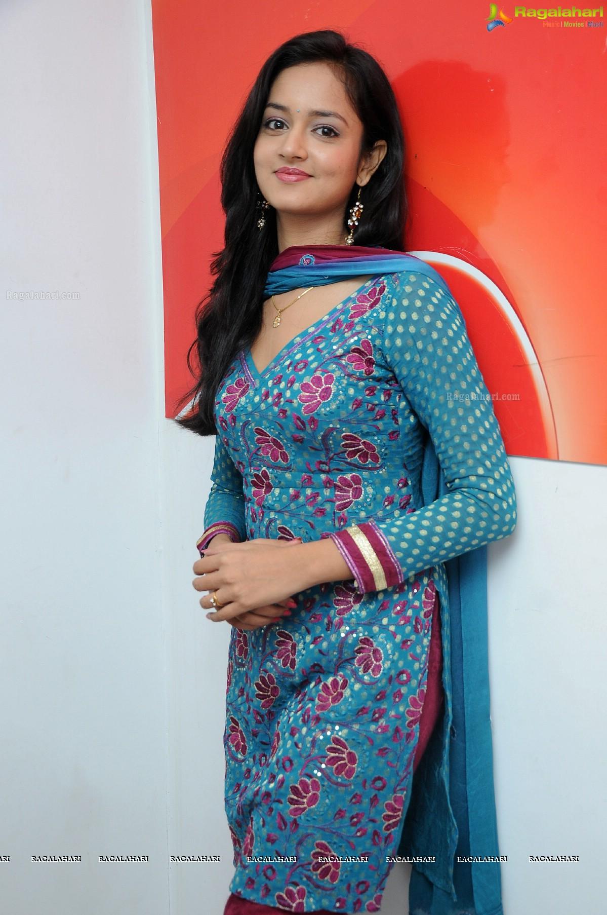 Shanvi (Hi-Res)