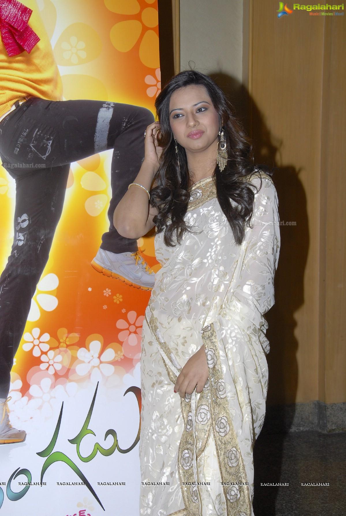 Eesha Chawla (Hi-Res)