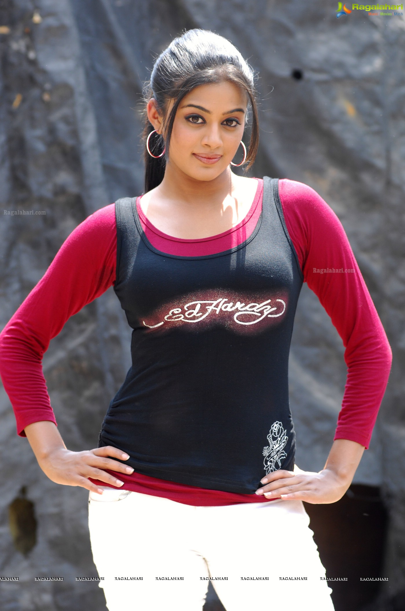 Priyamani Stills in Golimar, Gallery, Images