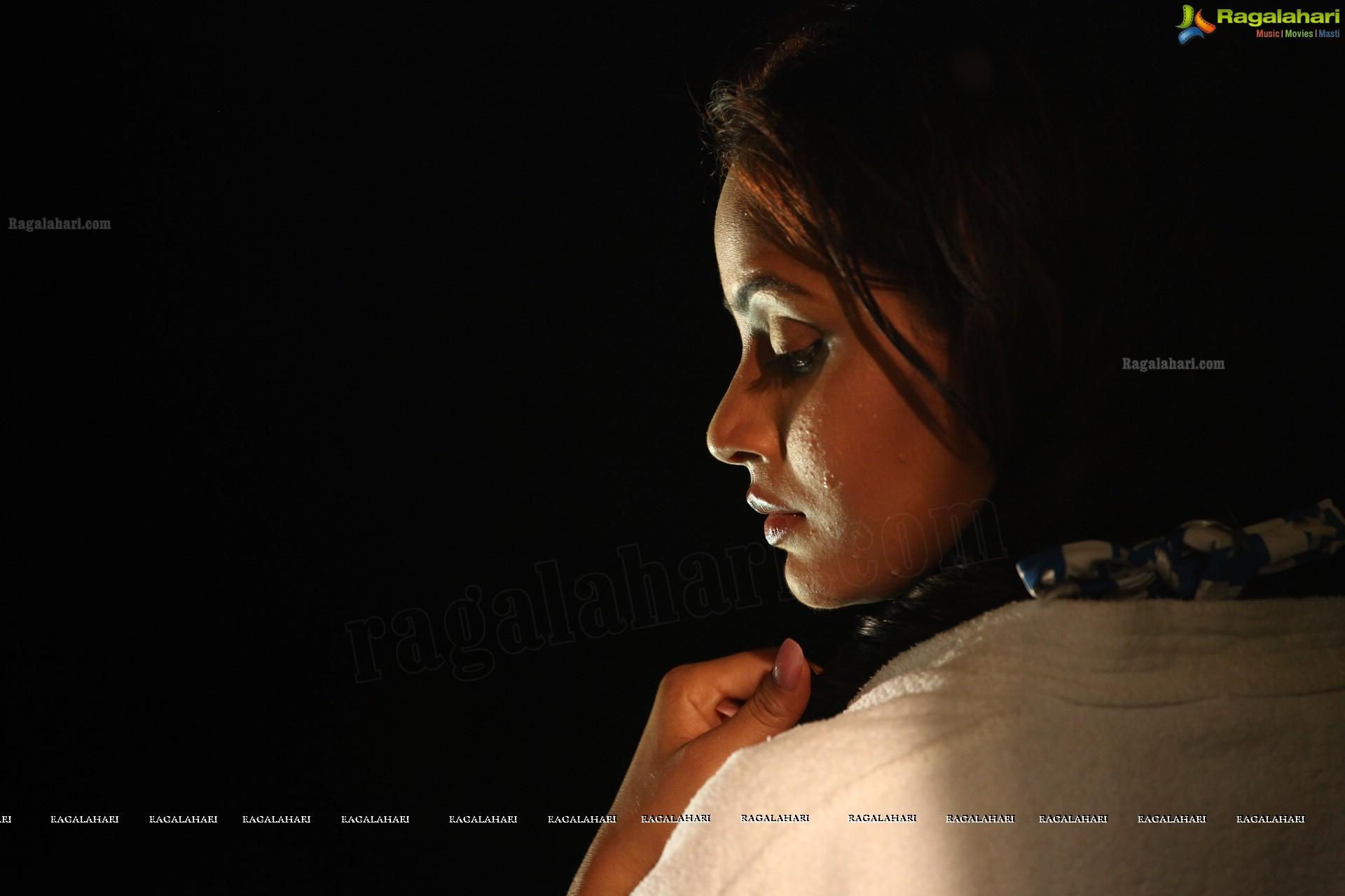 Neetu Chandra - HD Gallery
