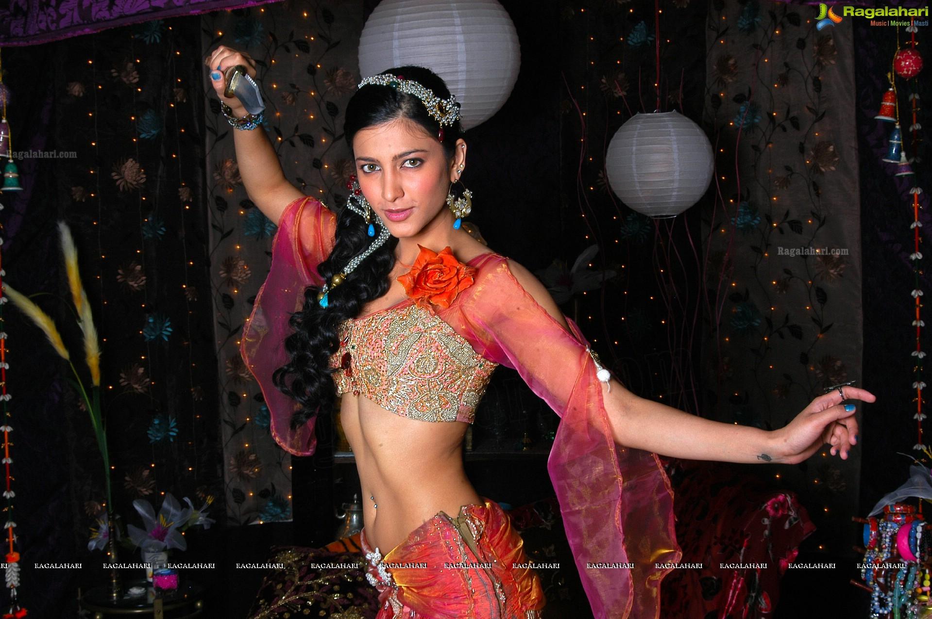 Shruti Haasan - HD Gallery