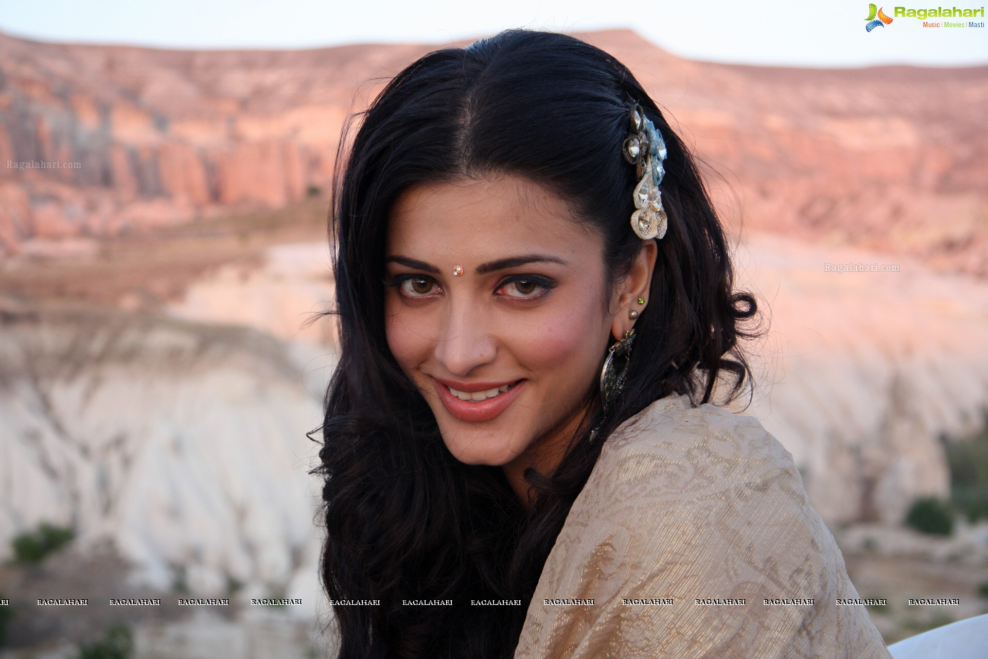 Shruti Haasan - HD Gallery