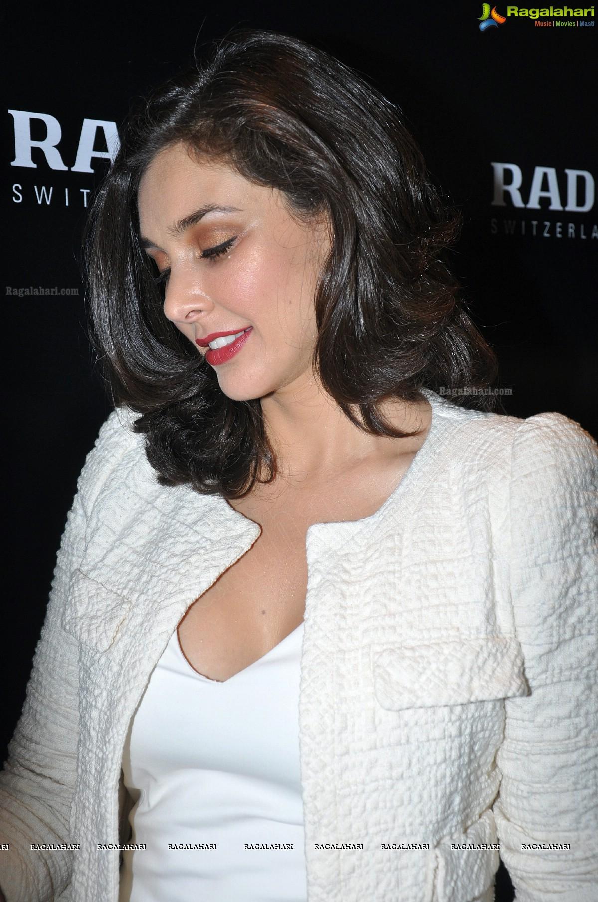 Lisa Rani Ray