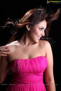Poga Heroine Madhu Shalini in Pink Skirt