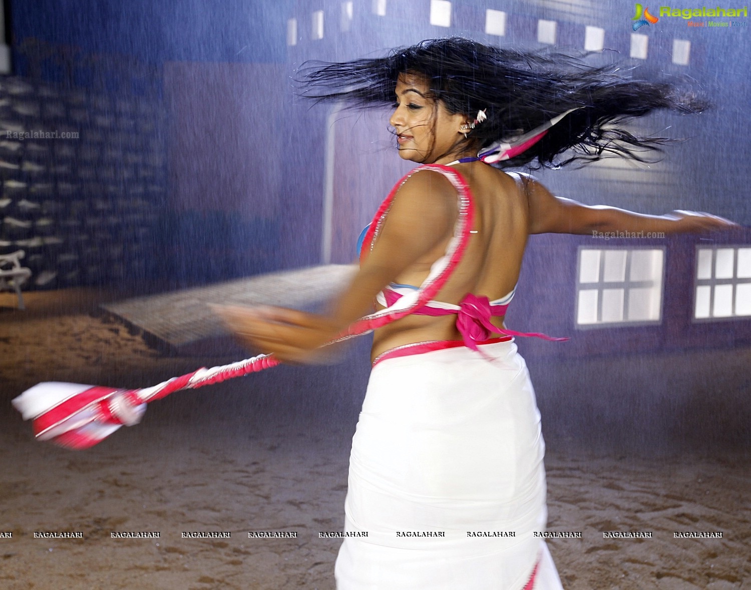 Priyamani Stills From Tikka, Photo Gallery