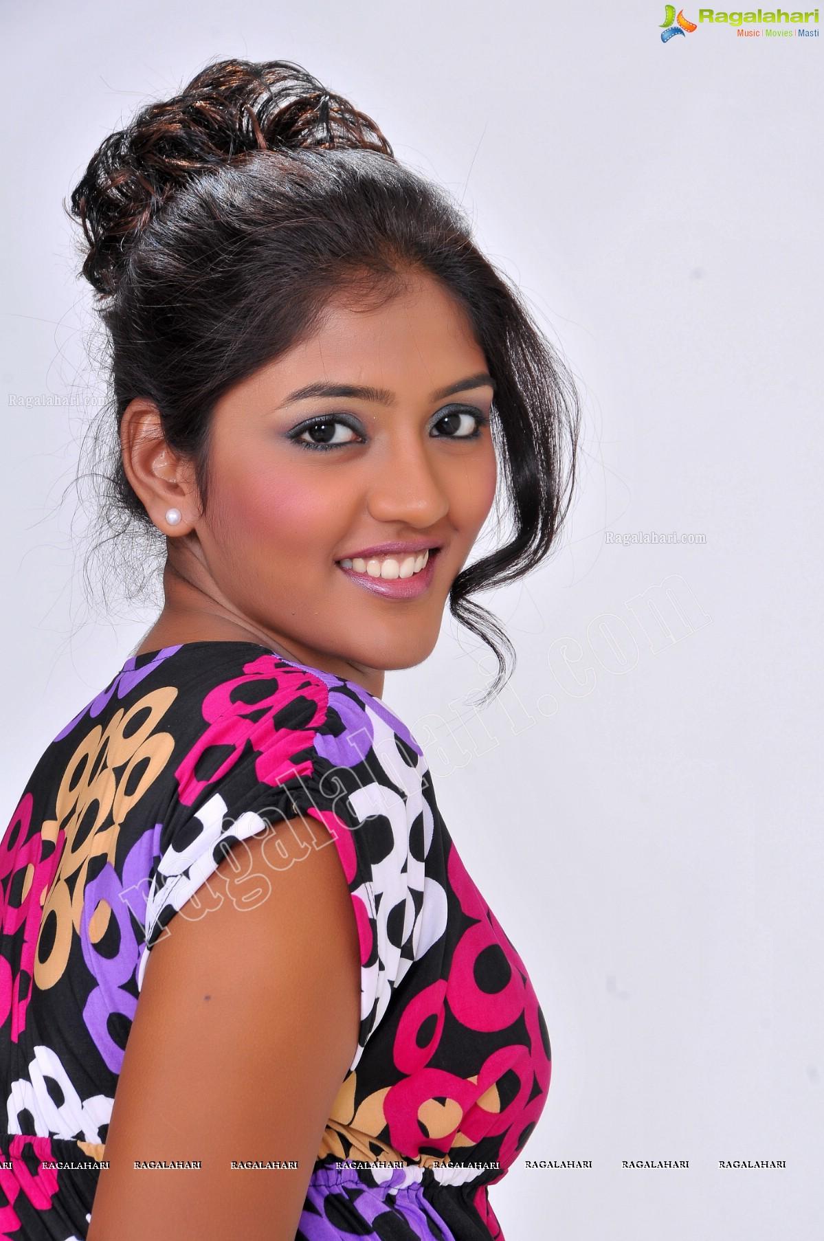 Eesha Rebba in Black Printed Tunic Exclusive Photo Shoot