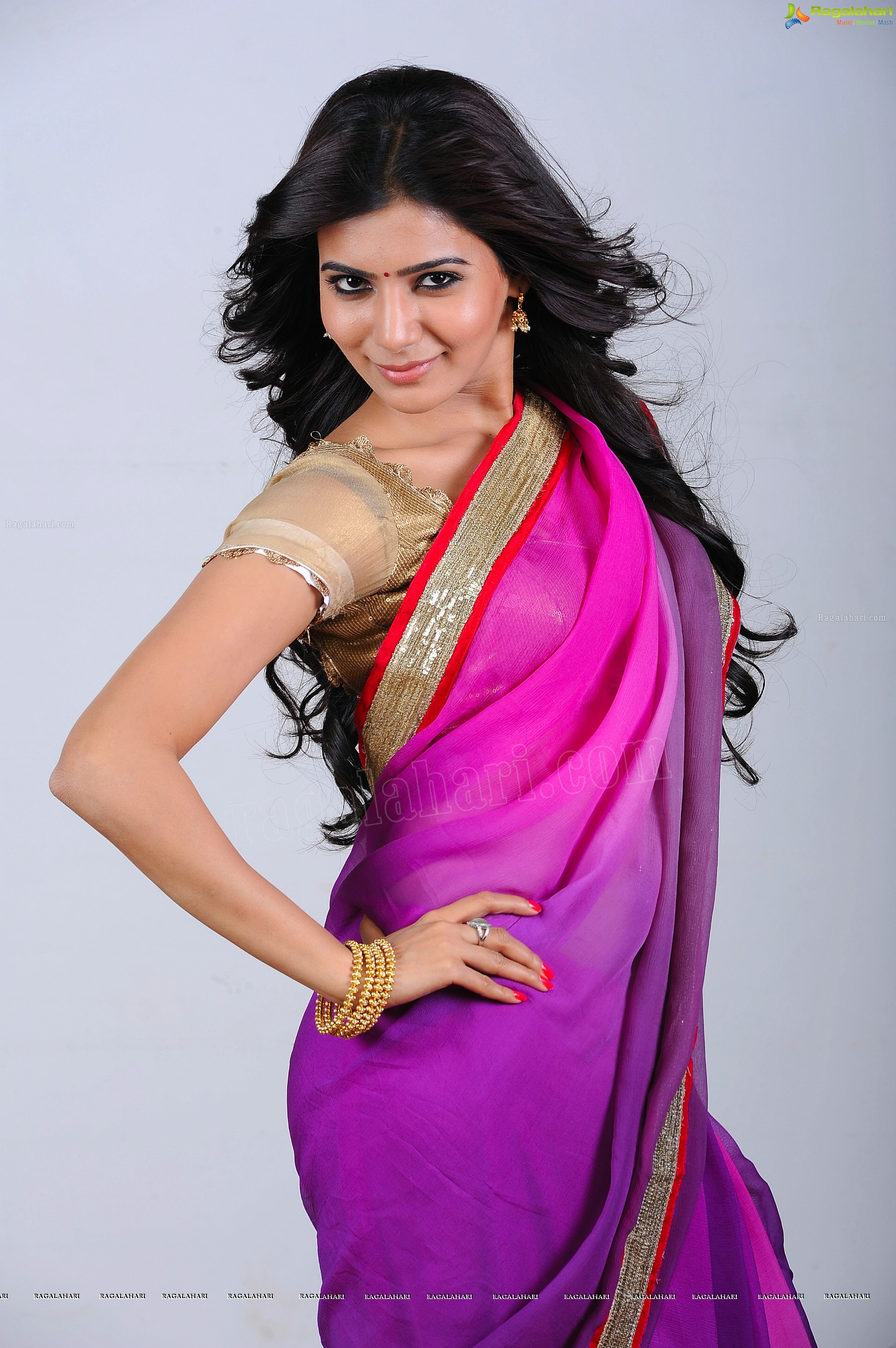 Samantha in Pink Saree - HD Gallery