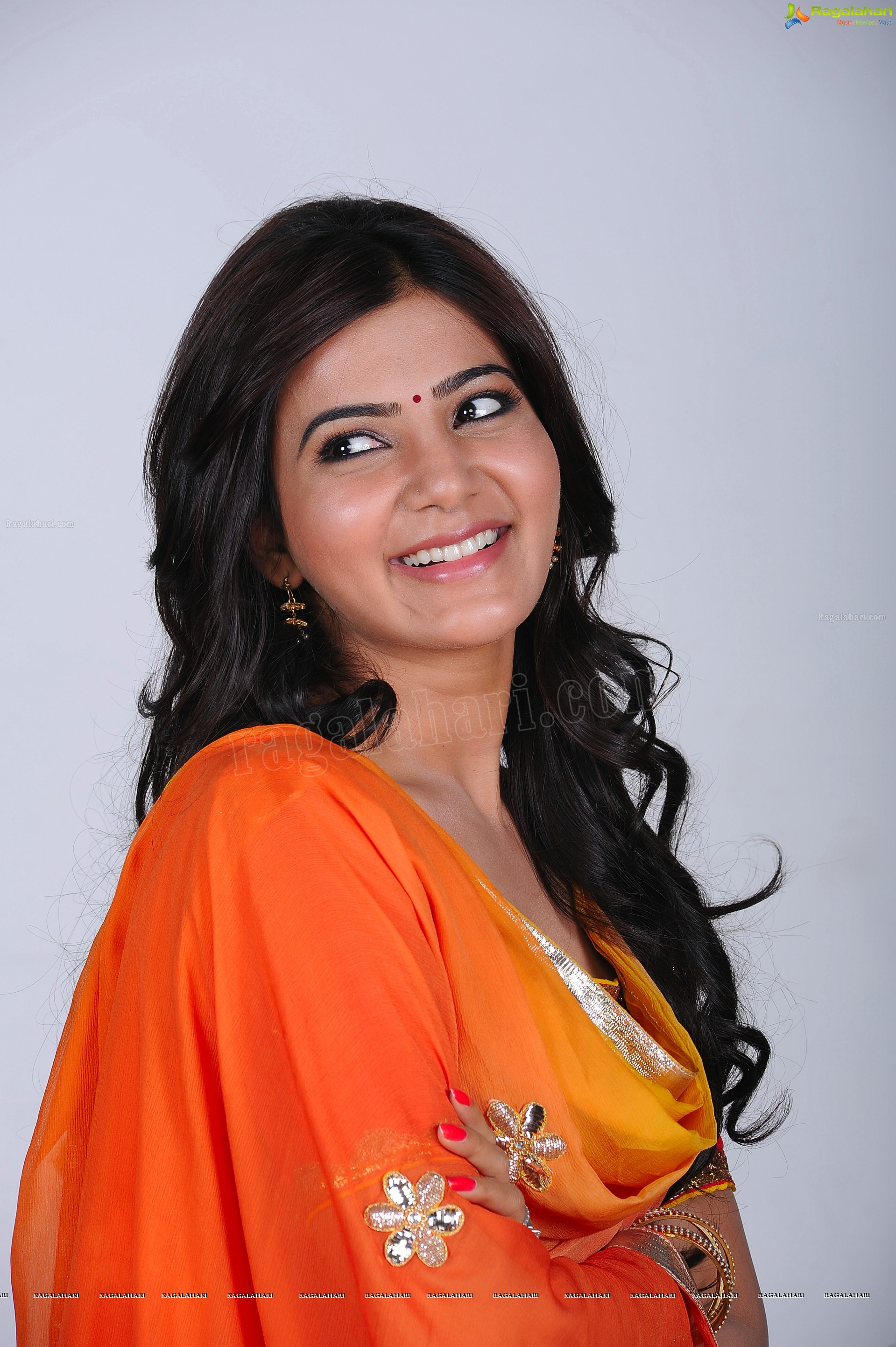 Samantha in Salwar Kameez and Sleeveless Dress - HD Gallery