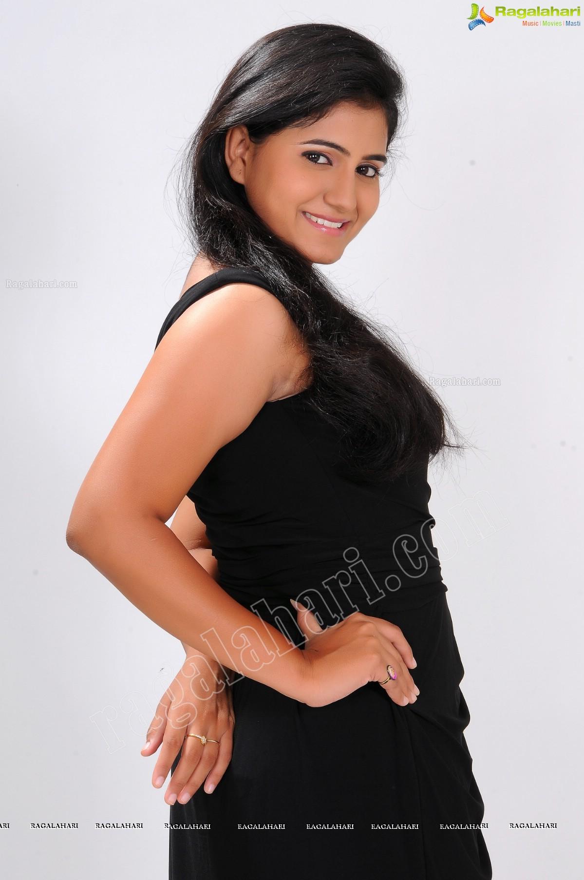 Tanusha/Swathi (Exclusive)